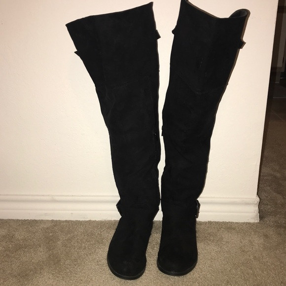 e717ca5fedb ... THIS ITEM IS SOLD! Black faux suede over the knee boots.  M 5a88e06d2c705d5f2875bb4b